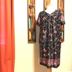 Silky house dress- Large
